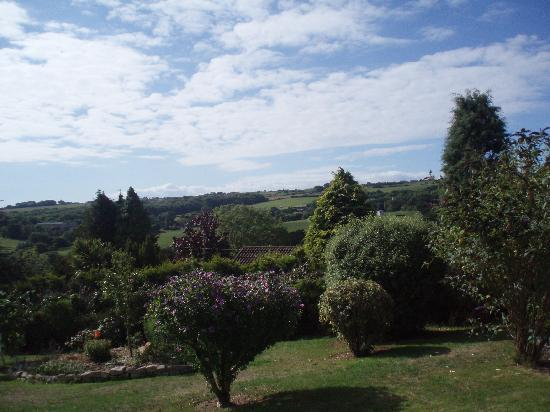 The Whirlies Bed and Breakfast: view from front garden