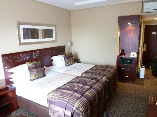 Kempton Park, Güney Afrika: Twin bed room
