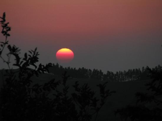 Cabanas La Pradera: sunset from cabin