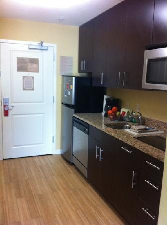 TownePlace Suites Savannah Airport : the kitchen is great