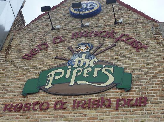 The Pipers Bed & Breakfast: LOGO PIPERS