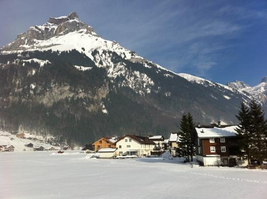 Engelberg, Suiza: Hahnen from Alphorn bedroom window