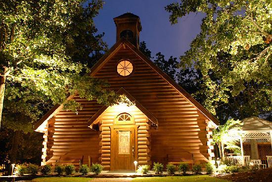 Mountain Top Inn and Resort: Wedding Chapel at Night
