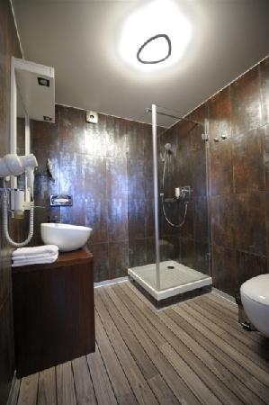 Hotel Caramell: Bathroom