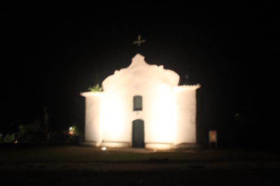 UXUA Casa Hotel & Spa: The church of Trancoso at night