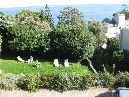 Pietranera, France: Vue du balcon