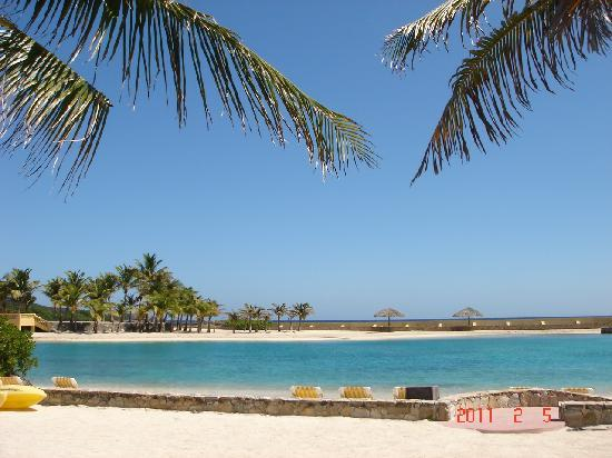 Sundancer Cabanas Roatan Beach Front: beach