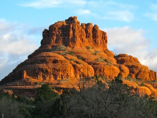 Cozy Cactus Bed and Breakfast: Bell Rock from our room