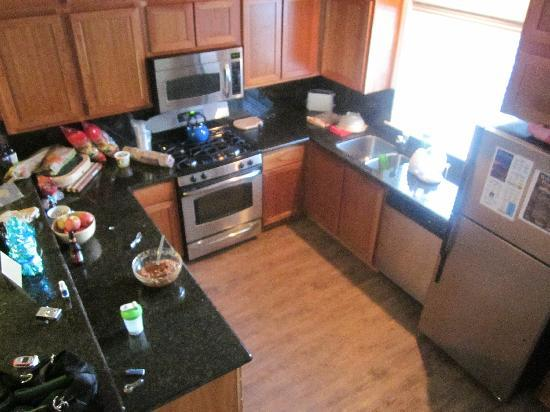 Collins Lake Resort: Our mess in the kitchen