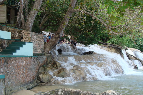 Ocho Rios, Giamaica: Start the Dunn's River Falls climb here.
