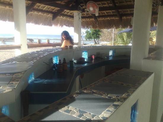 Beach Club Cagpo: Outdoor Bar