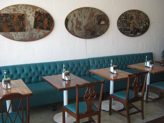 Benitto's Paninoteca Bar : Bench Seating Area