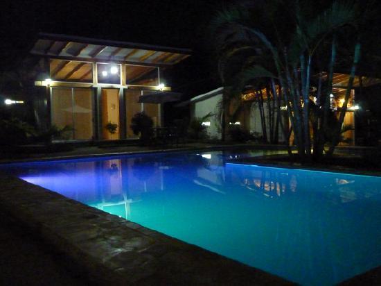 Fuego Lodge: My cabana 10 feet from a rad pool