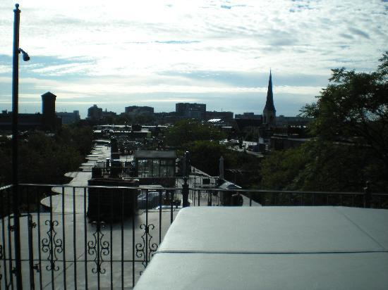Clarendon Square Inn: View of the top of the Inn