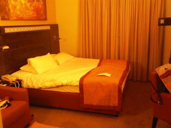Holiday Inn Abu Dhabi: bedroom