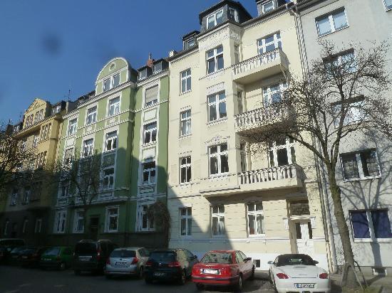 Hotel Europa: Häuser neben dem Hotel