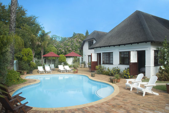 The Beautiful South Guest House: Pool area