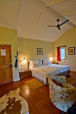 Three Tree Hill : Std Lux bedroom