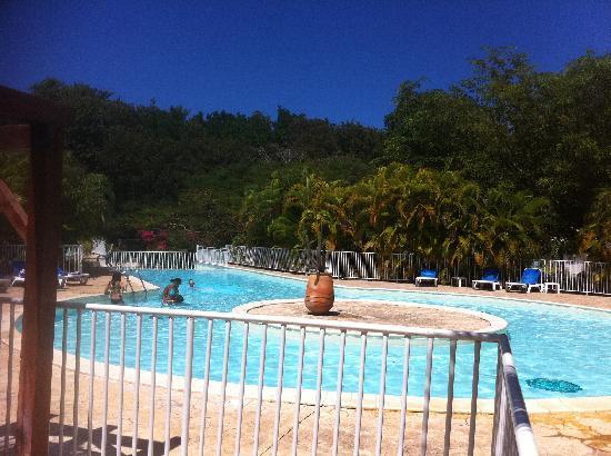 Kawann Beach Hotel: la piscine