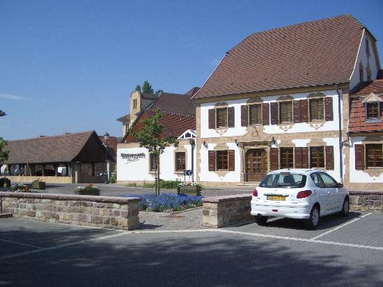 Piscine photo de hostellerie a la ville de lyon for Piscine rouffach