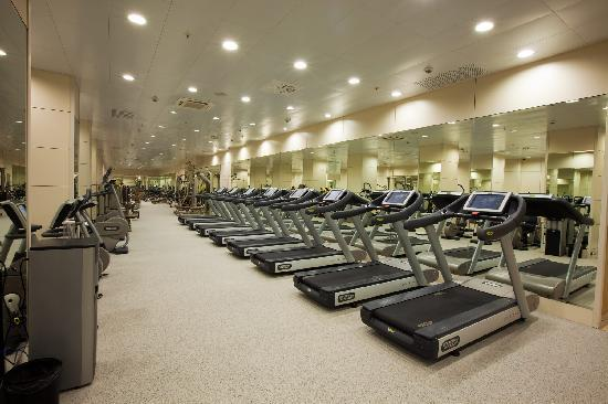 Рэдиссон Ройал Москва: Our Royal Wellness Club features a fully equipped fitness centre