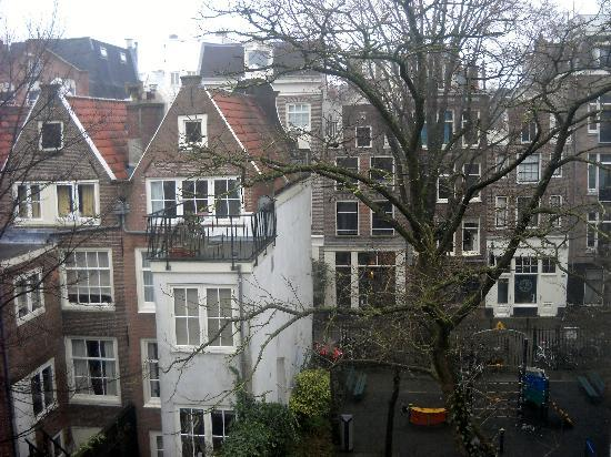 Amsterdam Hostel Uptown: The wiew from the room