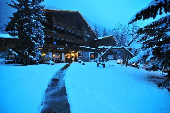 Chalet Hotel Senger: Chalet after the snow!