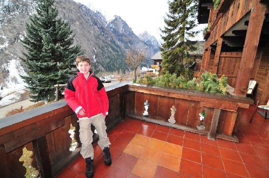Chalet Hotel Senger: My son on our balcony