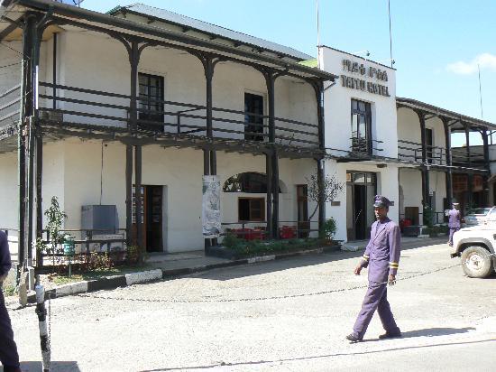 Taitu Hotel: Front of hotel