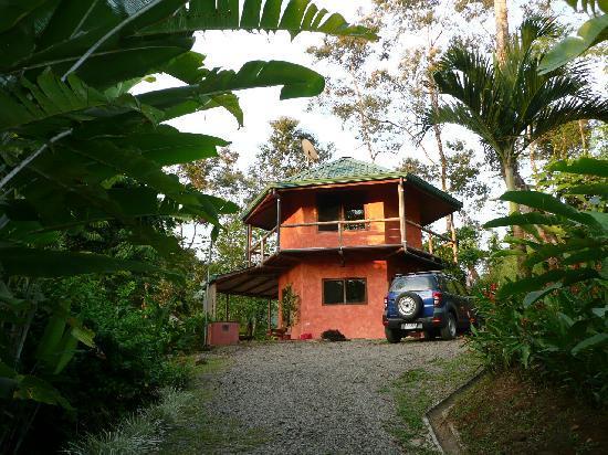 Manoas: exterior of la Paloma