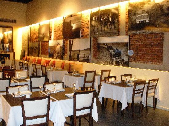 La Mas Bonita : Inside tables at Pampa Picante