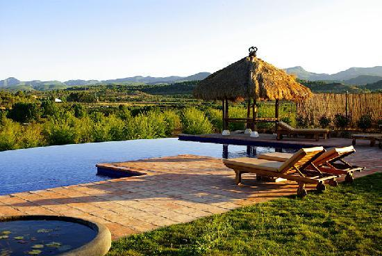 Castellnovo, España: piscina masia durba