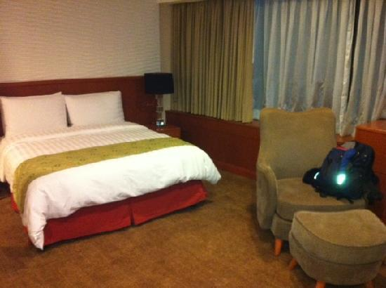 Eastwood Richmonde Hotel: Bed