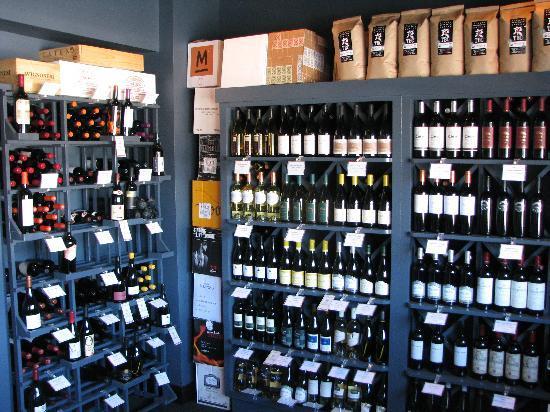 Isabella's Italian Trattoria : Isabella's Wine Market