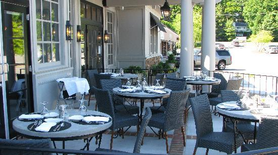 Isabella's Italian Trattoria: Isabella's Patio Dining