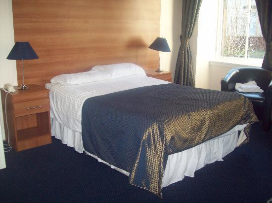 The Heritage Hotel: room