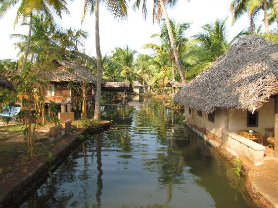 Cherai Beach, India: Relax in the traditional cottages