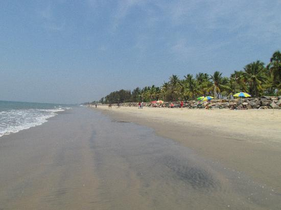 Cherai Beach, India: Walk on the beach