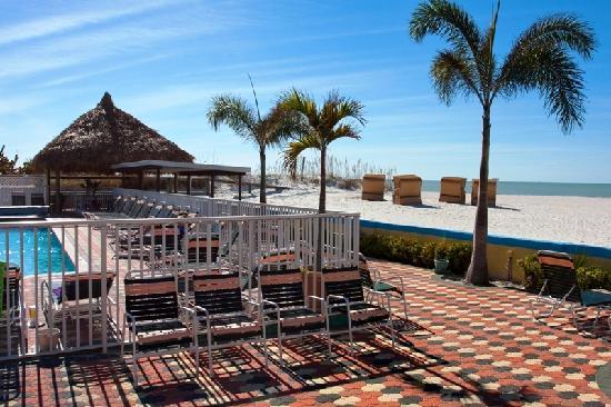 بلازا بيتش هوتل بيتش فرونت ريزورت: FREE Use of Private Cabanas on the Beach