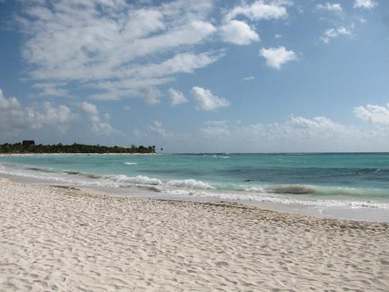 Bel Air Collection Xpu Ha Riviera Maya: The sandy part of the beach