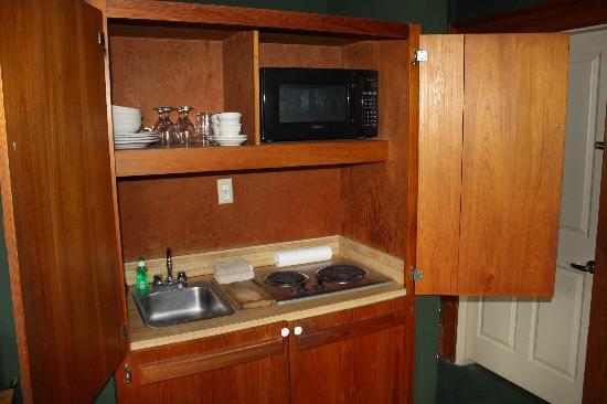 Chateau Orleans: Hidden mini kitchen