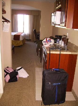 Holiday Inn Express & Suites Tipp City: Room