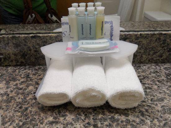 Holiday Inn Express Hotel & Suites North Seattle - Shoreline: Complimentary Bath Stuff