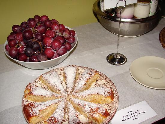 Albergaria do Calvario: beautiful home-made cakes mmm