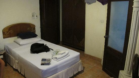 Pensione Capri Hotel & Restaurant: The room