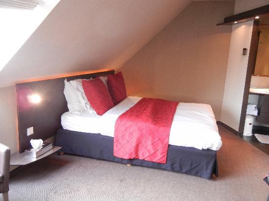 Hotel Harmony: Room 41