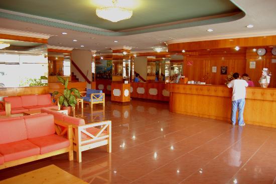 Saipan Ocean View Hotel: lobby