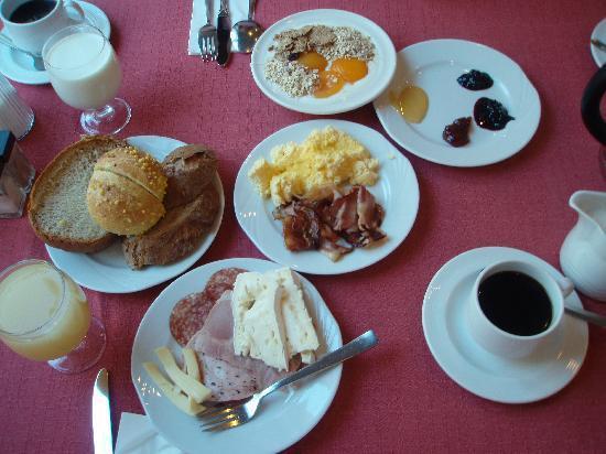 Hotel Metropole: 朝食ビュッフェでこんなものをたべました