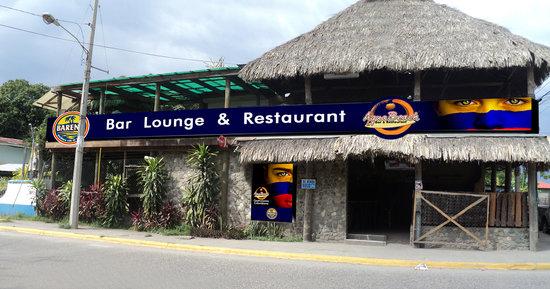 Aqua Beach Bar & Restaurant: Entrance