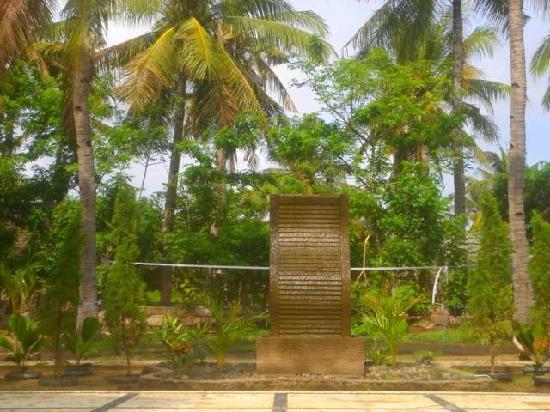 Tunai Cottages: Garden